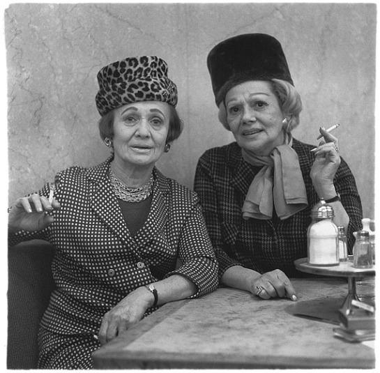 Zwei Damen im Automatenrestaurant, N.Y.C., 1966